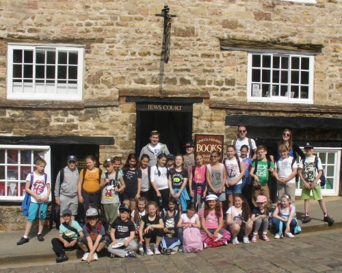 Clore Shalom Visits Lincoln